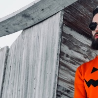 Look rockero halloween hombre